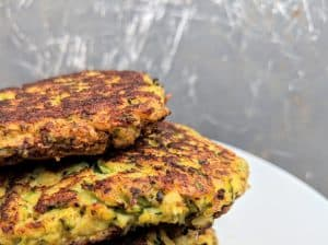 Zucchini pancakes with almond flour