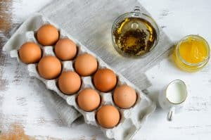 eggs, green tea, honey mask