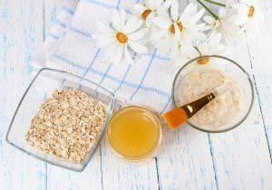 DIY mask with oats